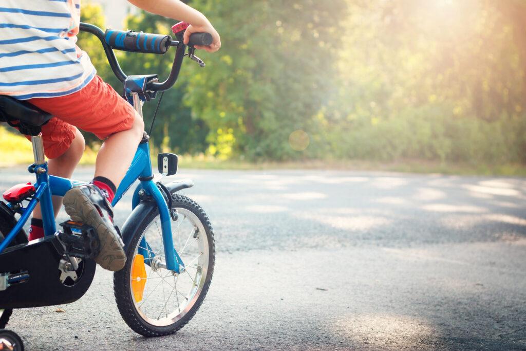 jongen-fiets