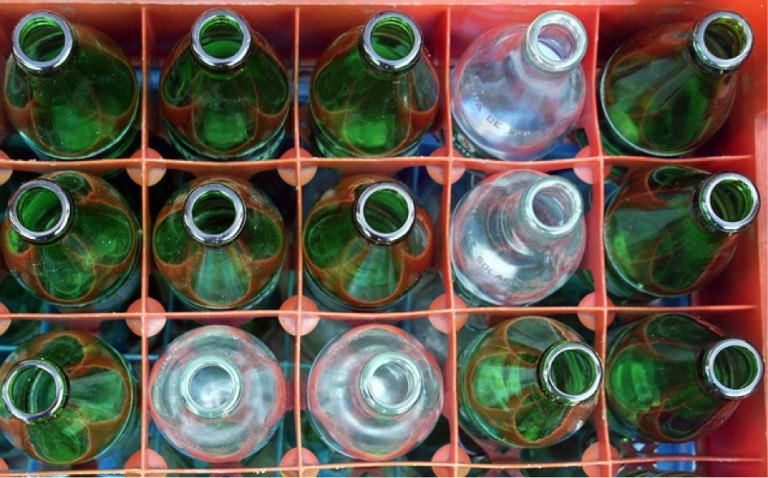 flessen in krat
